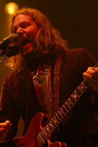 Rich Robinson black-crowes-by-jb-brookman