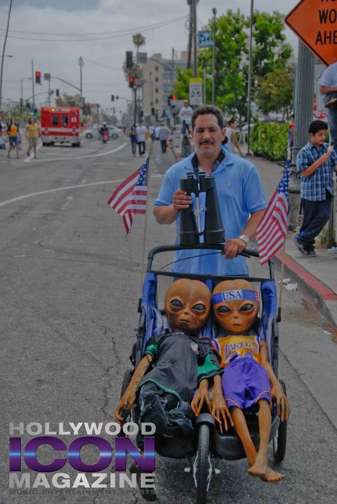 LA Lakers Championship Parade By JB Brookman-8 Aliens