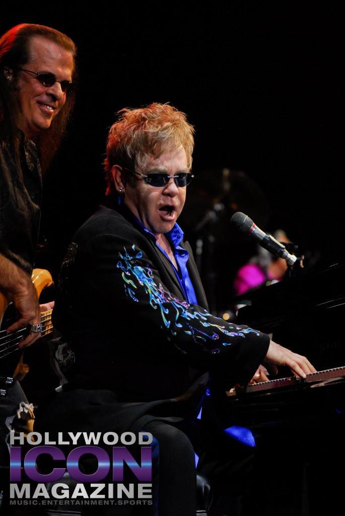 Sir Elton John Yakima Sundome © JB Brookman Hollywood Icon Magazine-17f