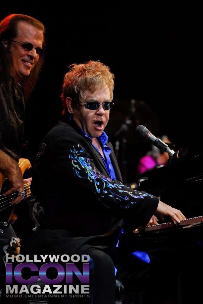 Sir Elton John Yakima Sundome © JB Brookman Hollywood Icon Magazine-17f