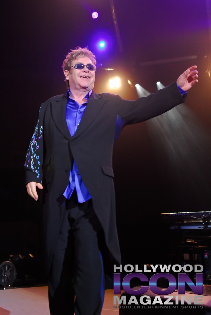Sir Elton John Yakima Sundome © JB Brookman Hollywood Icon Magazine-1f