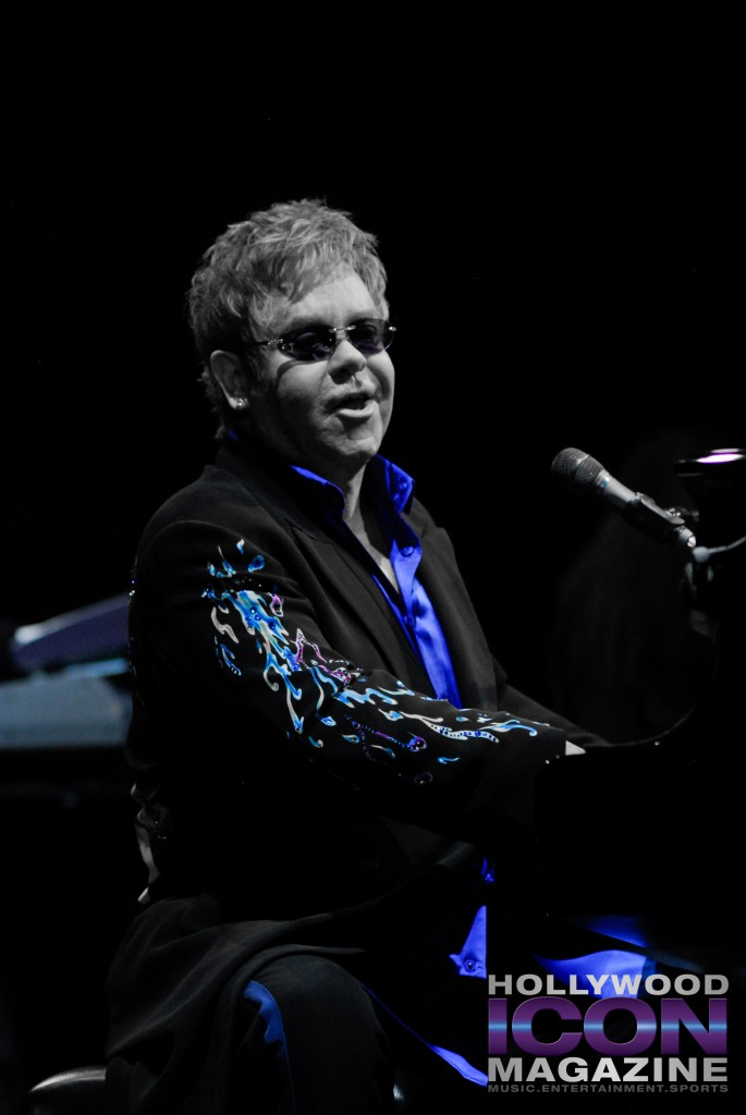 Sir Elton John Yakima Sundome © JB Brookman Hollywood Icon Magazine-20f