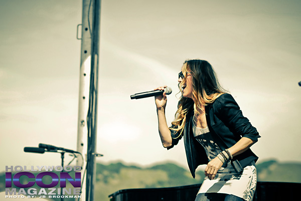 Sheryl-Crow-Avila-Beach-Resort-Options-Music-Festival-©-2011-JB-Brookman-Photography-22fhim