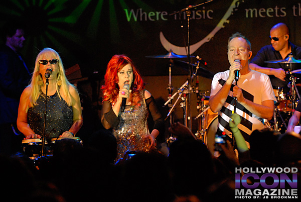 The-B-52s-Canyon-Club-©-2011-JB-Brookman-Photography-12fhim