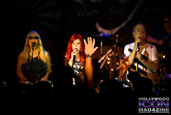 The-B-52s-Canyon-Club-©-2011-JB-Brookman-Photography-13fhim