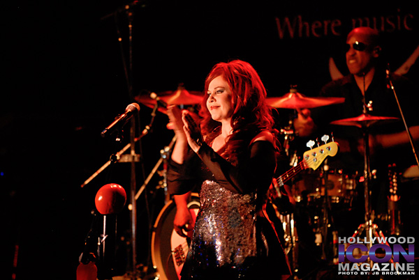 The-B-52s-Canyon-Club-©-2011-JB-Brookman-Photography-3fhim