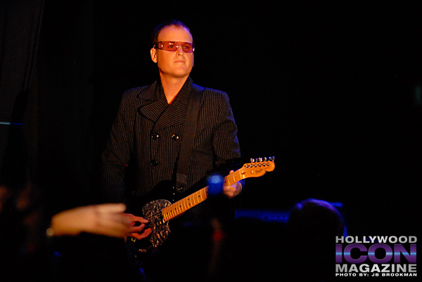 The-B-52s-Canyon-Club-©-2011-JB-Brookman-Photography-6fhim