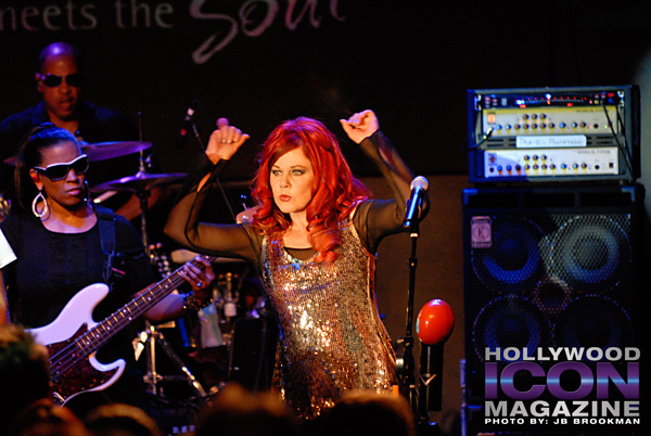 The-B-52s-Canyon-Club-©-2011-JB-Brookman-Photography-9fhim