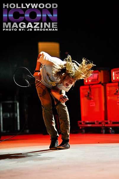 KJEE-Cage-The-Elephant-Santa-Barbara-Bowl-©-2011-JB-Brookman-Photography-2fhim