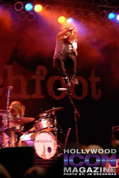 Switchfoot-Birthday-(99)f-©-2010-JB-Brookman-Photography
