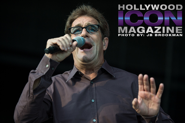 Huey Lewis thrills the Santa Barbara Bowl crowd.  Photo: JB Brookman